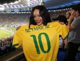 Neymar y la música