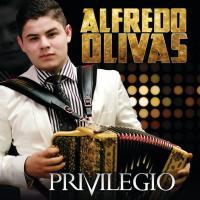 Canción 'Diez Charolas' del disco 'Privilegio' interpretada por Alfredito Olivas