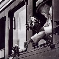 Canción 'Stripsearch' del disco 'Album of the Year ' interpretada por Faith No More