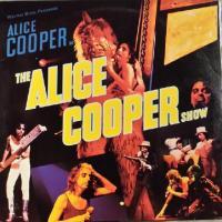 Canción 'You And Me' del disco 'The Alice Cooper Show' interpretada por Alice Cooper