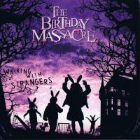 Canción 'Looking Glass' del disco 'Walking With Strangers' interpretada por The Birthday Massacre