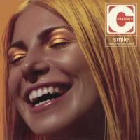 Canción 'Smile' del disco 'Smile' interpretada por Vitamin C