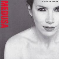 Canción 'Downtown Lights' del disco 'Medusa' interpretada por Annie Lennox