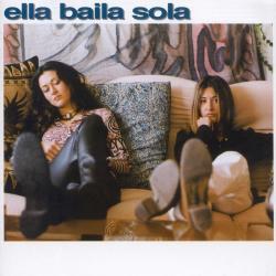 Disco 'Ella Baila Sola' (1996) al que pertenece la canción 'Cuando los sapos bailen flamenco'
