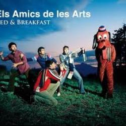 4-3-3 - Els Amics de les Arts | Bed & Breakfast