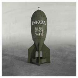 Disco 'Do You Wanna Start A War' (2014) al que pertenece la canción 'Do You Wanna Start A War'