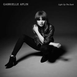 Disco 'Light Up the Dark' (2015) al que pertenece la canción 'Letting You Go'