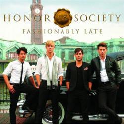 Disco 'Fashionably Late' (2009) al que pertenece la canción 'See U In The Dark'
