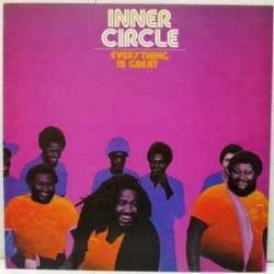 Disco 'Everything Is Great' (1979) al que pertenece la canción 'We A Rockers'