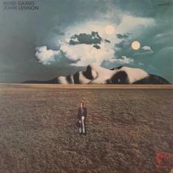 Disco 'Mind Games' (1973) al que pertenece la canción 'Bring On The Lucie (freda People)'