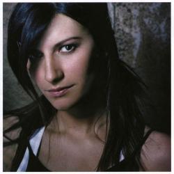 Tan importante - Laura Pausini | Escucha