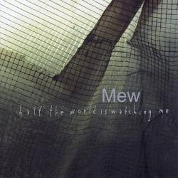Disco 'Half the World Is Watching Me' (2000) al que pertenece la canción 'Symmetry'
