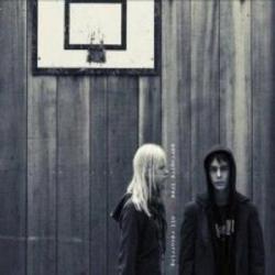Disco 'Nil Recurring' (2007) al que pertenece la canción 'Normal'