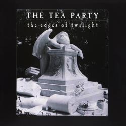 Disco 'The Edges of Twilight' (1995) al que pertenece la canción 'Drawing Down The Moon'