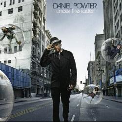 Disco 'Under the Radar' (2008) al que pertenece la canción 'Fly Away'