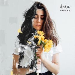 Disco 'Human - EP' (2019) al que pertenece la canción 'She'