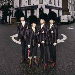Disco 'ABINGDON ROAD' (2010) al que pertenece la canción 'And I Love...'