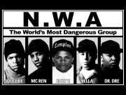 Canción 'Straight Outta Compton' interpretada por NWA