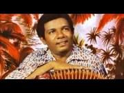 Canción 'Palabra sagrada' interpretada por Calixto Ochoa