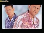 Canción 'Que tienen tus ojos' interpretada por Los Chiches Vallenatos