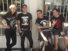 Canción 'Con estos chicos no se juega' interpretada por Voodoo Zombie