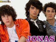 Canción 'Poison ivy' interpretada por Jonas