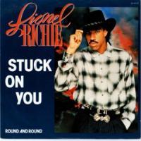 Canción 'Stuck On You' interpretada por Lionel Richie