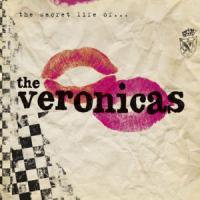 A teardrop hitting the ground de The Veronicas