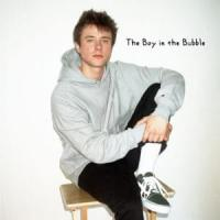 Canción 'Boy In The Bubble' interpretada por Alec Benjamin