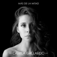 Canción 'Más De La Mitad' interpretada por Cami